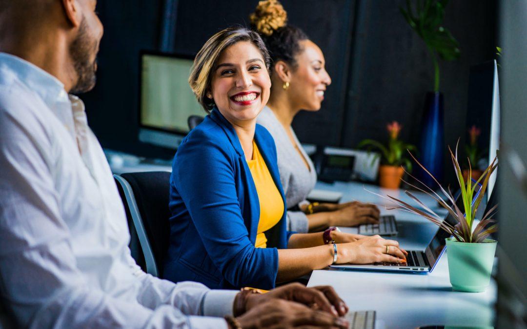 Comment rester en forme au bureau ? 6 solutions pratiques